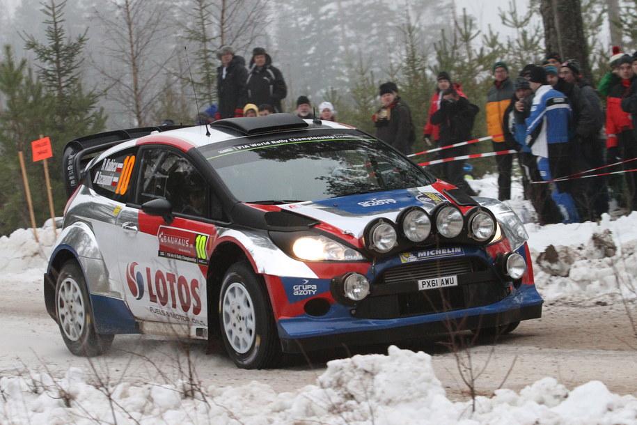 Robert Kubica i Maciej Szczepaniak (Ford Fiesta WRC) na trasie odcinka testowego przed Rajdem Szwecji, drugą rundą Rajdowych Mistrzostw Świata 2014 /Marek Wicher    /PAP