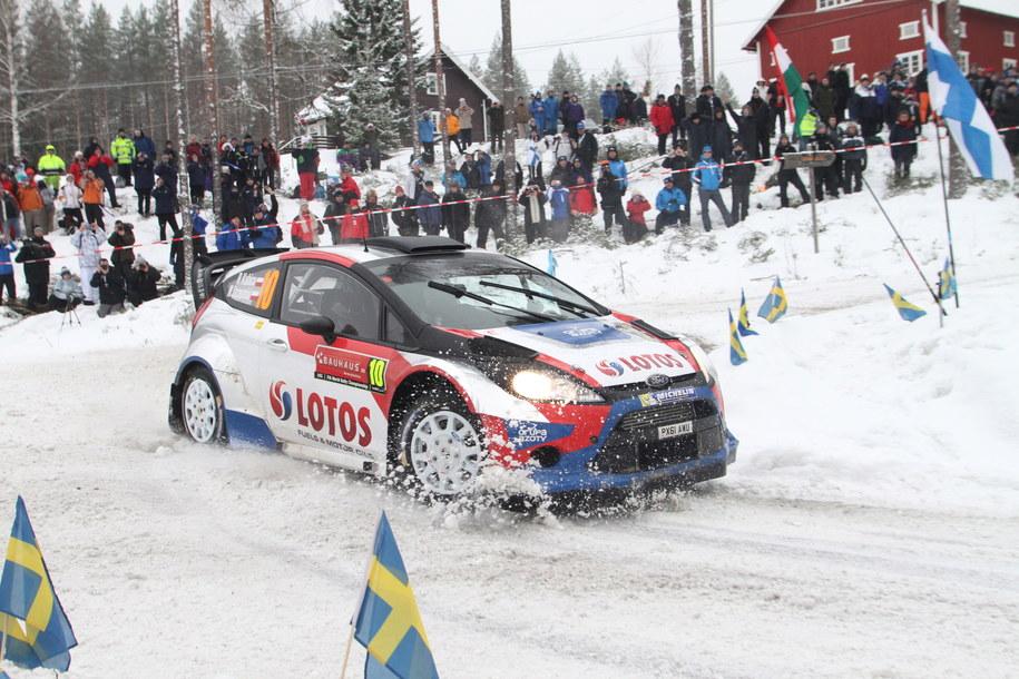 Robert Kubica i Maciej Szczepaniak (Ford Fiesta WRC) na trasie pierwszego dnia Rajdu Szwecji, drugiej rundy Rajdowych Mistrzostw Świata 2014 /Marek Wicher    /PAP
