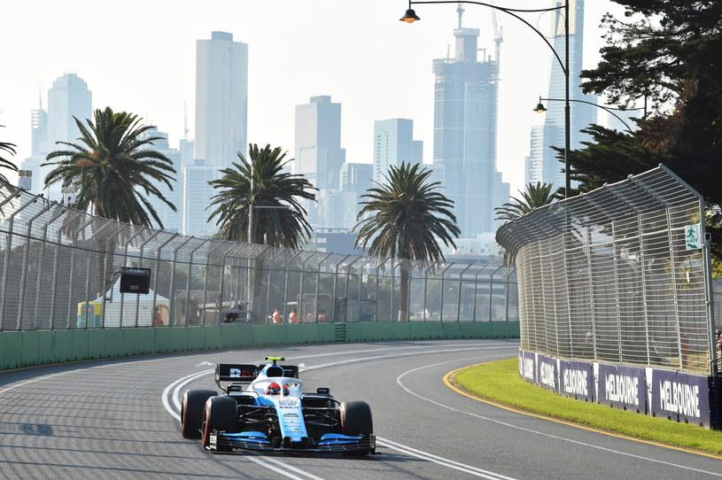 Robert Kubica na Albert Park Grand Prix Circuit w Melbourne /JAMES ROSS /PAP/EPA