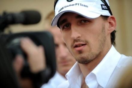 Robert Kubica nie miał zbyt wesołej miny na konferencji prasowej przed zbliżającym się GP /AFP