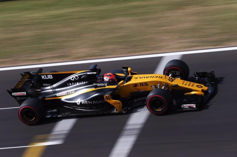 Robert Kubica podczas dzisiejszych testów na Hungaroringu /twitter (@RenaultSportF1) /