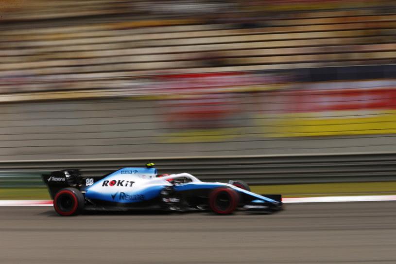 Robert Kubica podczas trzeciej sesji treningowej przed Grand Prix Chin. Fot. Wu Hong /PAP/EPA