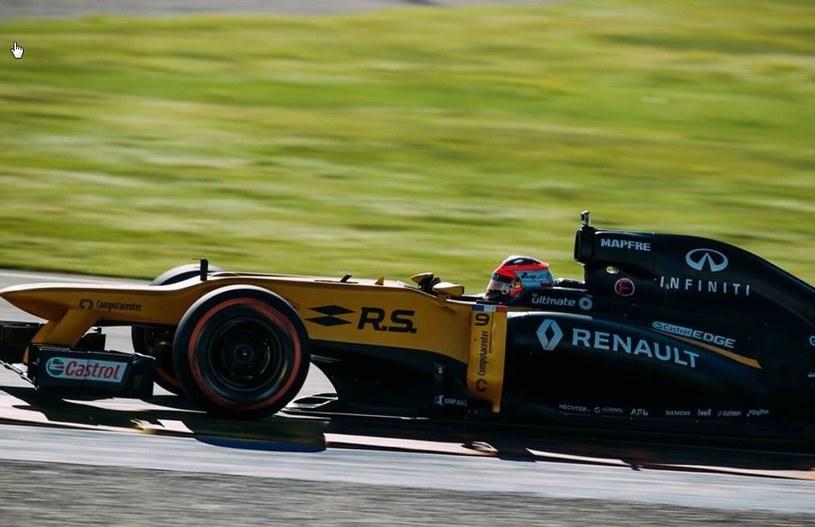 Robert Kubica w bolidzie Renault z 2012 roku /