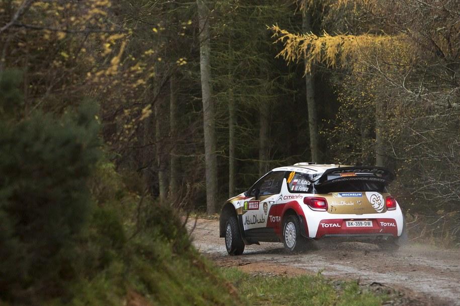 Robert Kubica w samochodzice Citroen DS3 /NIKOS MITSOURAS /PAP/EPA