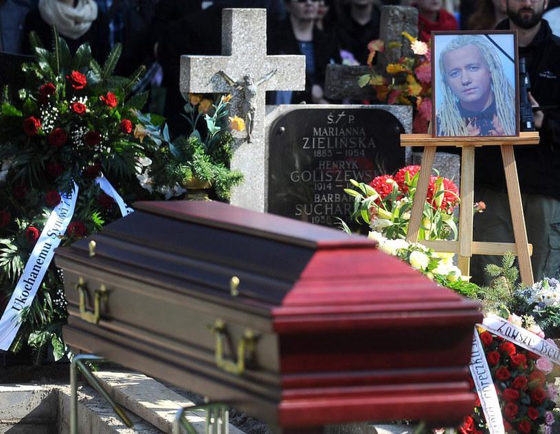 Robert Leszczyński pochowany został 10 kwietnia na Powązkach Wojskowych /Mateusz Jagielski /Reporter