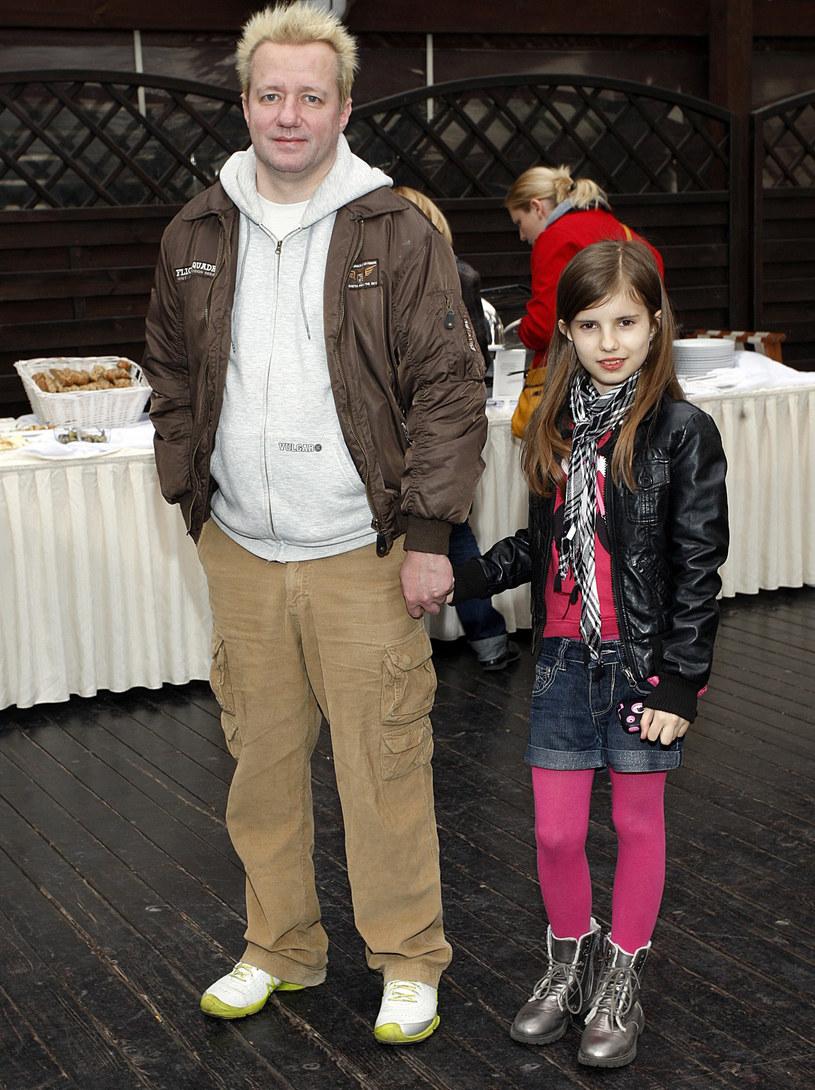 Robert Leszczyński z córką Vesną /Adam Guz /Reporter