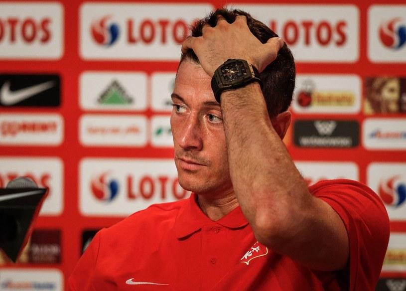 Robert Lewandowski cały czas nie jest pewny swojej przyszłości klubowej /AFP