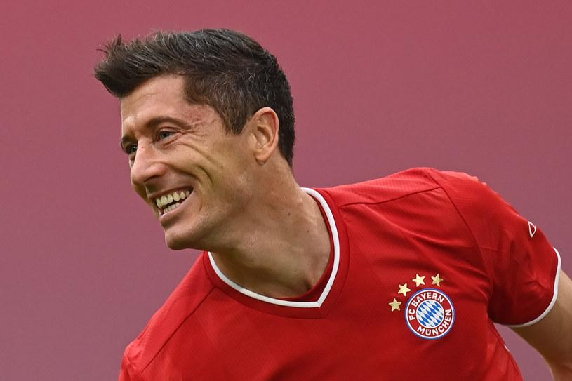 Robert Lewandowski celebruje gola w meczu z Eintrachtem /CHRISTOF STACHE / AFP / POOL /AFP