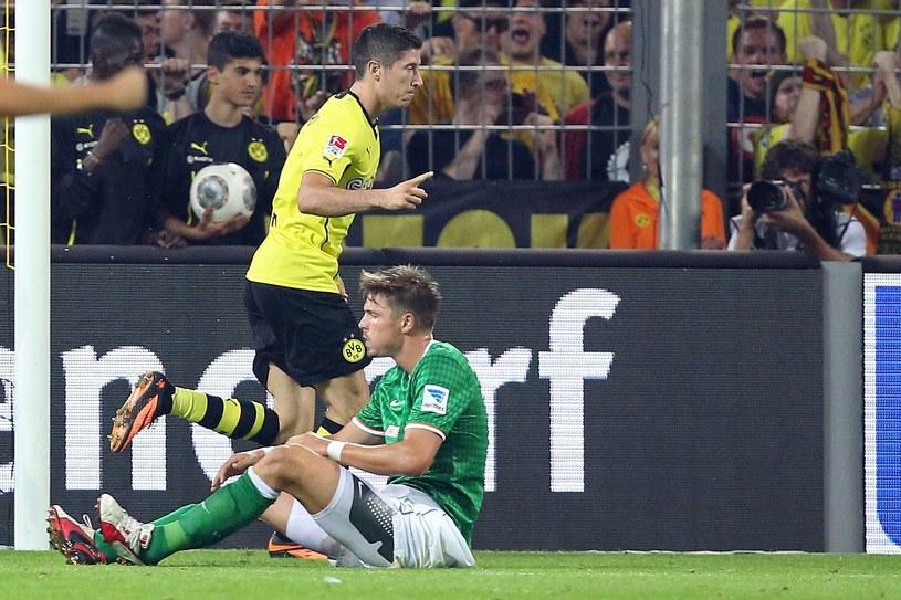 Robert Lewandowski cieszy się z bramki w starciu z Werderem Brema /PAP/EPA