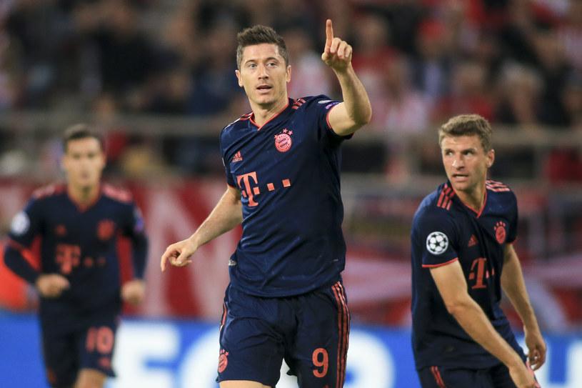 Robert Lewandowski cieszy się z gola przeciwko Olympiakosowi /MB Media/Getty Images /Getty Images