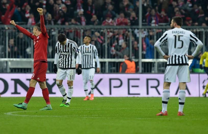 Robert Lewandowski cieszy się z gola strzelonego Juventusowi /AFP