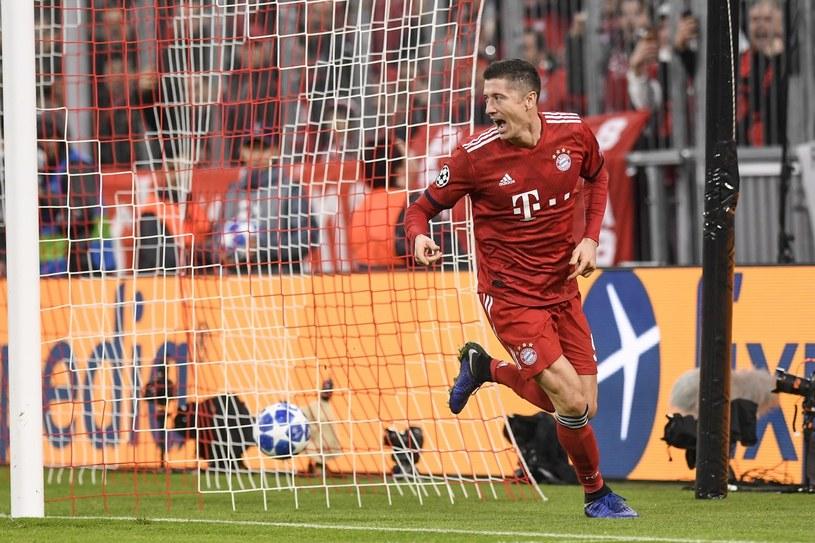 Robert Lewandowski cieszy się z gola w meczu z AEK Ateny /PAP/EPA
