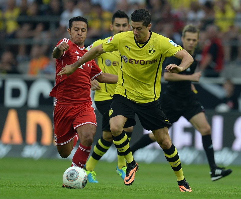 Robert Lewandowski gola nie strzelił, ale miał udział przy dwóch /AFP