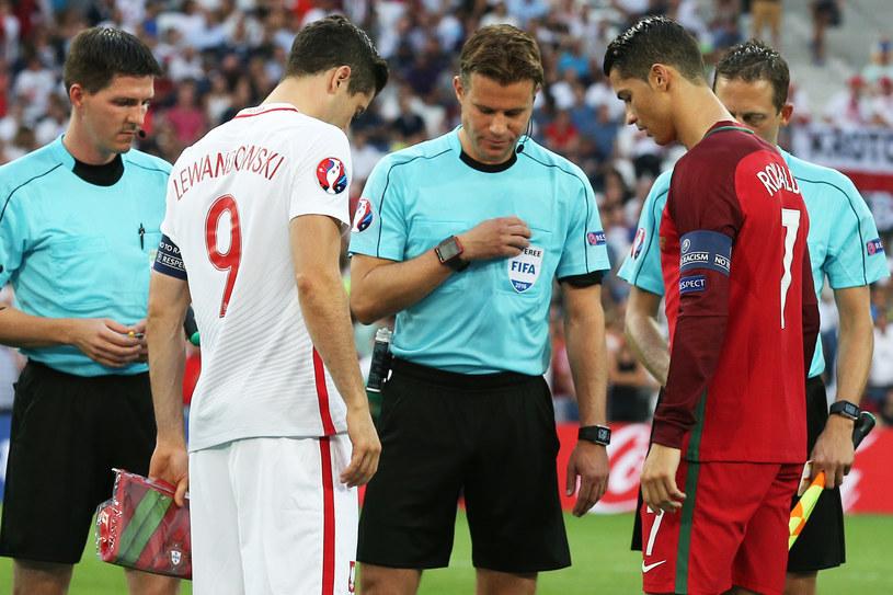 Robert Lewandowski i Cristiano Ronaldo przed ćwierćfinałem Euro 2016 /LUKASZ GROCHALA/CYFRASPORT / NEWSPIX.PL /Newspix