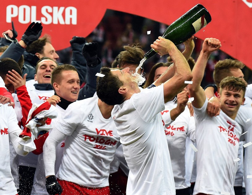 Robert Lewandowski i spółka będą mieli kolejną okazję do świętowania? /AFP