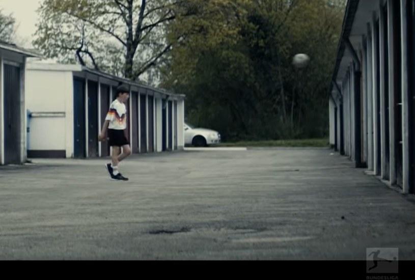 """Robert Lewandowski - kadr z wideo """"The Boy with all the Dreams"""" na oficjalnym kanale Bundesligi /youtube.com/bundesligatv /Youtube"""