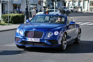 Robert Lewandowski ma nowe auto. To Bentley Continental GT Speed