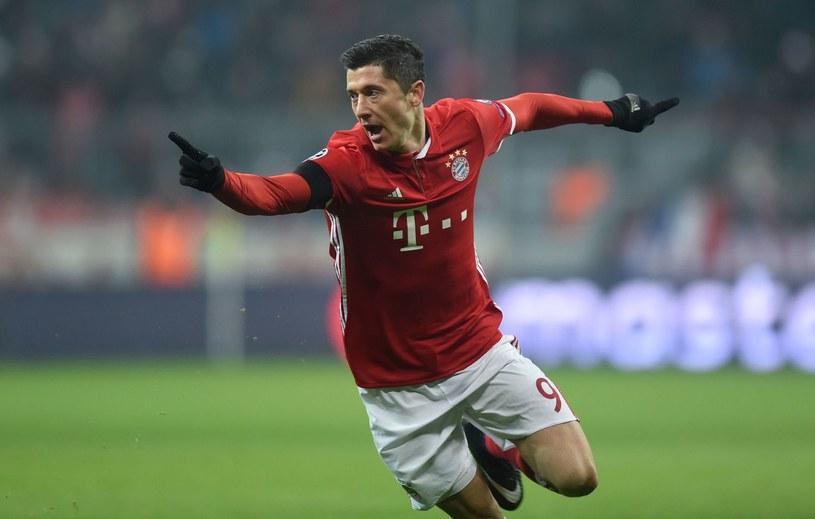 Robert Lewandowski miał zagwarantować sobie w kontrakcie towarzyski mecz Bayernu w Polsce /AFP /AFP