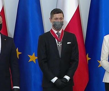 """Robert Lewandowski odznaczony przez prezydenta Andrzeja Dudę. """"Nasz bohaterze narodowy"""""""