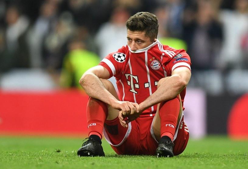 Robert Lewandowski po raz kolejny nie może być zadowolony z sezonu w Lidze Mistrzów /AFP