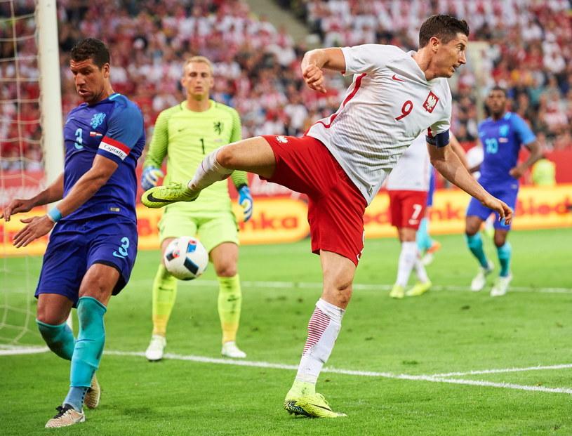 Robert Lewandowski podczas meczu Polska - Holandia /Adam Warżawa /PAP