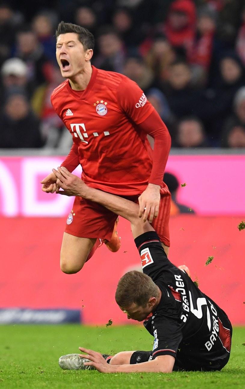 Robert Lewandowski podczas meczu z Bayerem /AFP