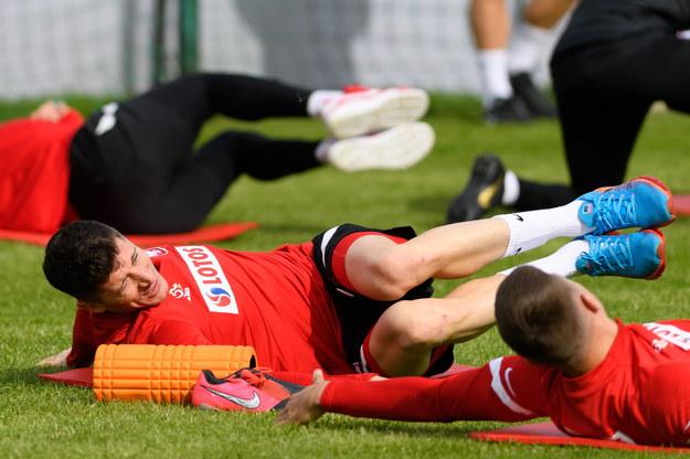 Robert Lewandowski podczas treningu kadry /Jakub Kaczmarczyk /PAP