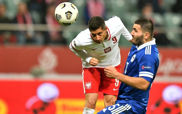 Robert Lewandowski przestrzega przed hurraoptymizmem po meczu z Bośnią i Hercegowiną / Maciej Kulczyński    /PAP