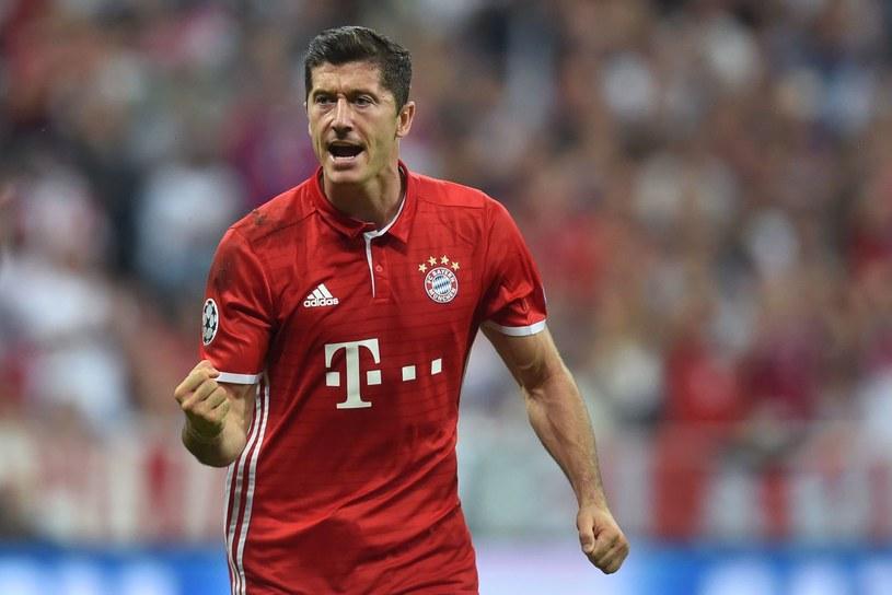 Robert Lewandowski strzela gola za gola w Bundeslidze /AFP