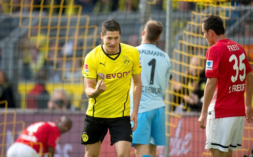 Robert Lewandowski strzelił dwa gole w meczu z SC Freiburg /PAP/EPA