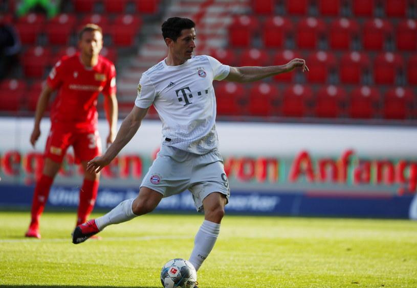 Robert Lewandowski strzelił gola z rzutu karnego w meczu z Unionem /PAP/EPA