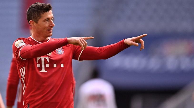 Robert Lewandowski strzelił trzy gole w meczu ze Stuttgartem /LUKAS BARTH-TUTTAS / POOL /PAP/EPA