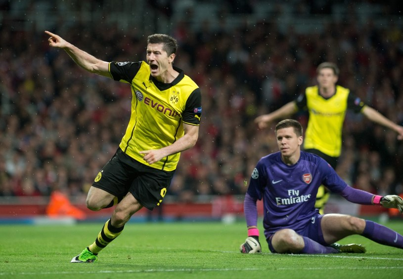 Robert Lewandowski strzelił zwycięskiego gola w meczu z Arsenalem /PAP/EPA