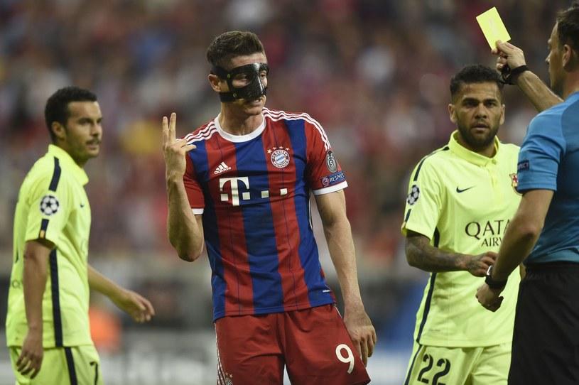 Robert Lewandowski (w masce) w barwach Bayernu Monachium /AFP