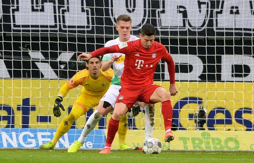 Robert Lewandowski w meczu z Borussią Moenchengladbach /AFP
