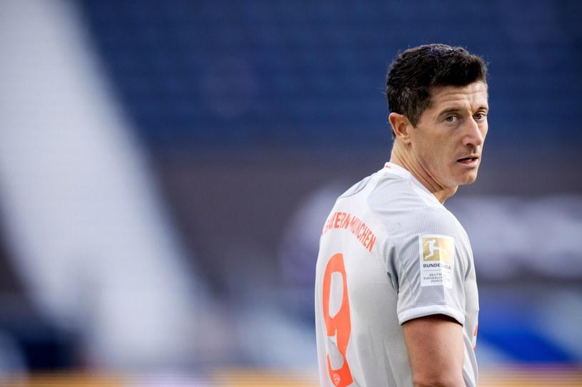 Robert Lewandowski w meczu z Eintrachtem Frankfurt /RONALD WITTEK /PAP/EPA