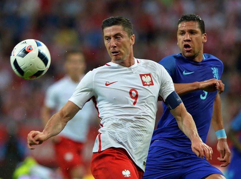 Robert Lewandowski w towarzyskim meczu z Holandią /AFP