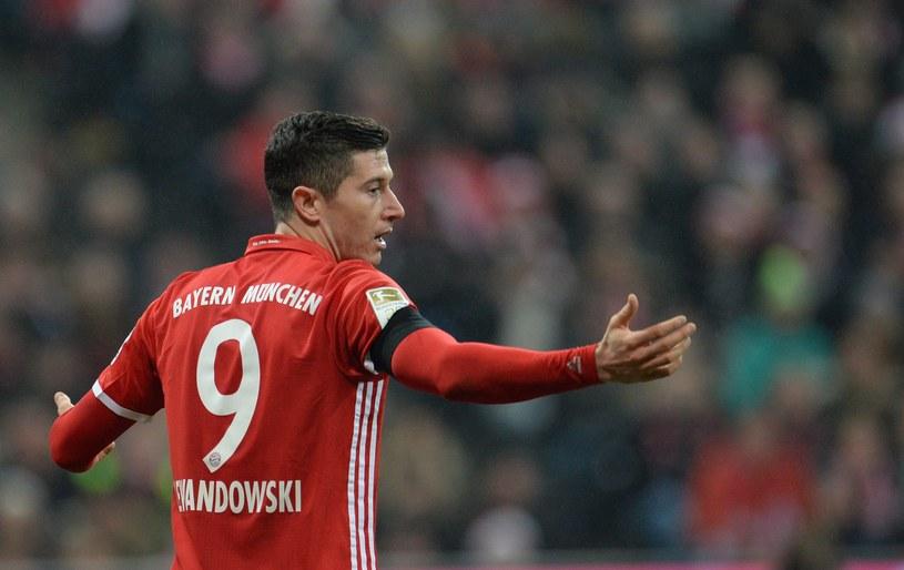 Robert Lewandowski w trakcie meczu z Bayerem Leverkusen /PAP/EPA