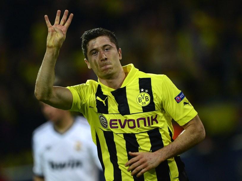 Robert Lewandowski wpadł w oko Jose Mourinho, kiedy strzelił cztery gole Realowi Madryt /AFP