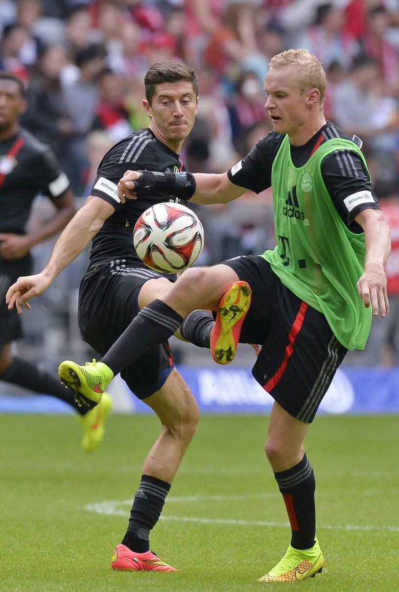 Robert Lewandowski (z lewej) i Sebastian Rode, czyli dwa nowe nabytki Bayernu /AFP