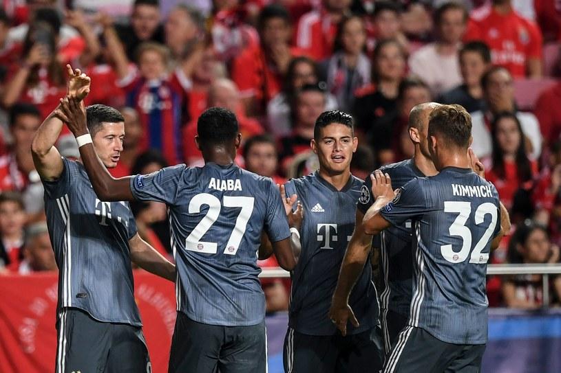 Robert Lewandowski (z lewej) z kolegami z Bayernu /AFP