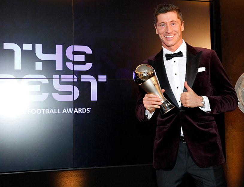 Robert Lewandowski z nagrodą dla Piłkarza Roku FIFA /Marco Donato-FC Bayern/Pool /Getty Images