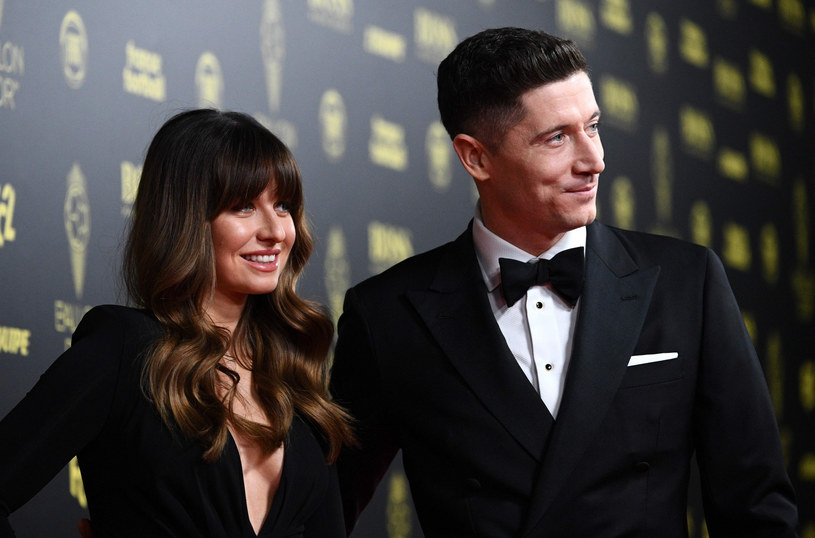 Robert Lewandowski z żoną Anną, gala Złotej Piłki 2019 /AFP FRANCK FIFE /East News