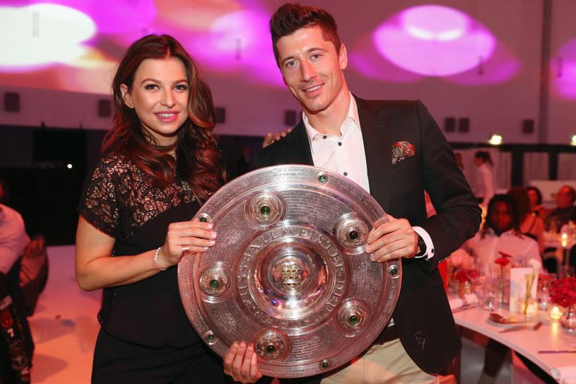 Robert Lewandowski z żoną świętował zdobycie tytułu mistrza Niemiec /Getty Images