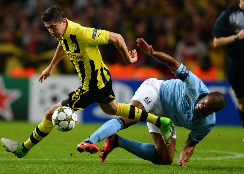 Robert Lewandowski zamieni Borussię na Manchester City? /AFP