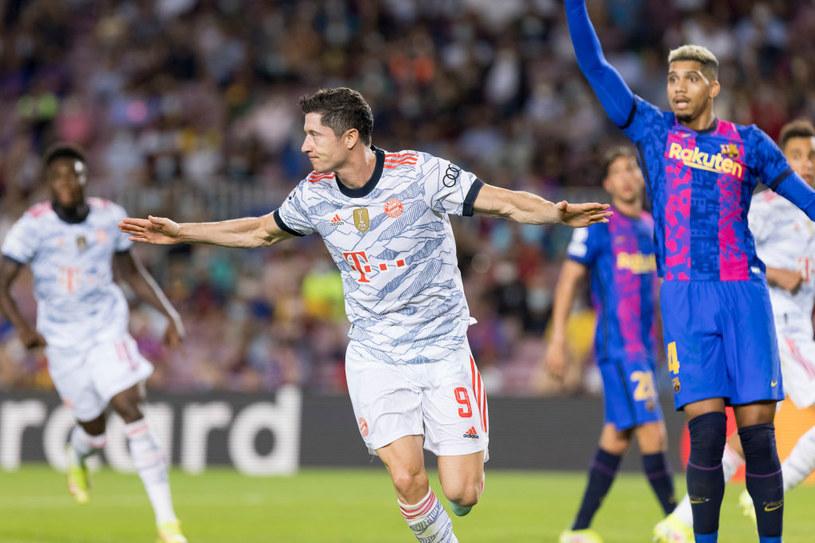 Robert Lewandowski zdobył bramkę w meczu z Barceloną /Berengui/DeFodi Images /Getty Images