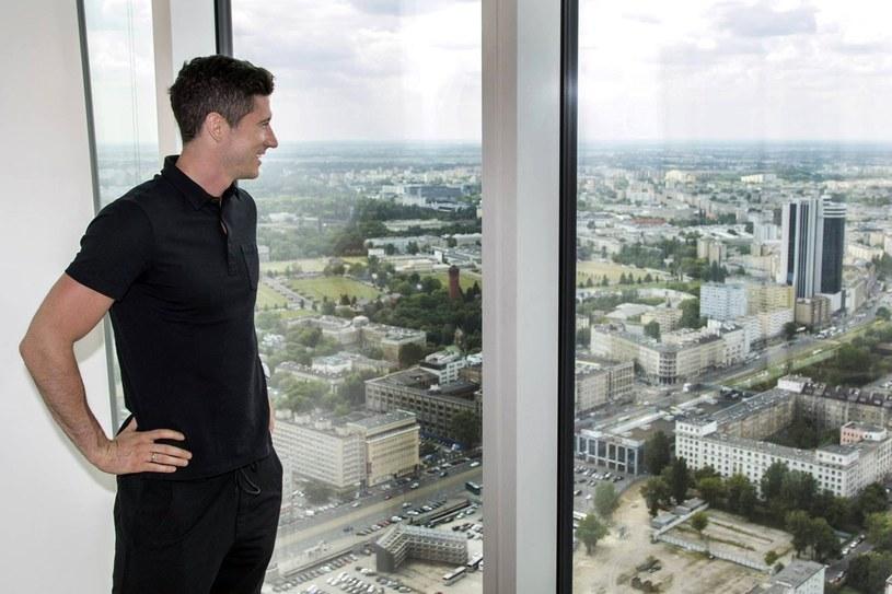 Robert Lewandowski został właścicielem i twarzą apartamentu w centrum Warszawy /East News