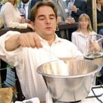 Robert Makłowicz uczy, jak gotować parówki