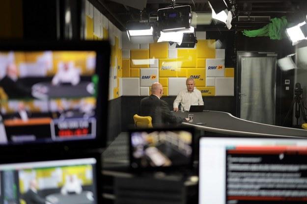 Robert Mazurek i jego gość Michał Gramatyka podczas Porannej rozmowy w RMF FM. /Michał Dukaczewski /RMF FM
