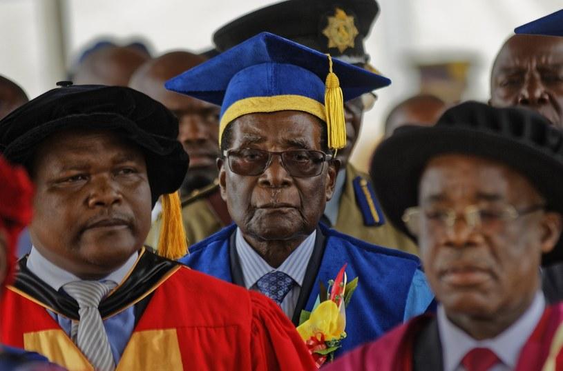 Robert Mugabe na rozdaniu dyplomów /AP Photo/Ben Curtis /East News